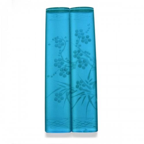 蓝色玻璃刻花镇纸一对 约清代(1644年-1912年) Pair of Blue Glass Paperweight with Floral Pattern Engraving Probably Qing Dynasty (1644-1912)