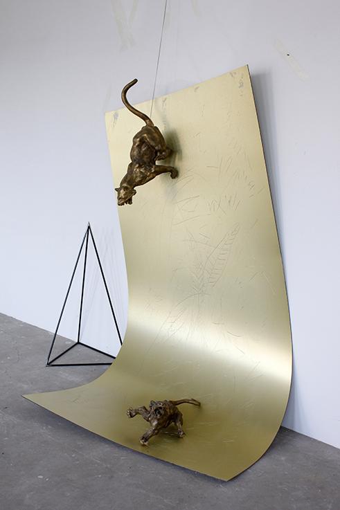 杨心广 两只老虎 2012 铝塑板 、铜、铁 Two Tigers 2012 Aluminum Plastic Board、Bronze、Steel 200×100×180㎝