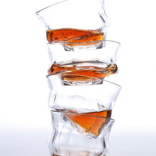 走形的manbetx网页版手机登录杯</br>6 Tipsy Glasses