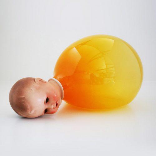 manbetx网页版手机登录橙色人偶</br>Doll with Orange Glass